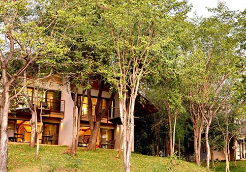 Victoria Falls Safari Suites Outside