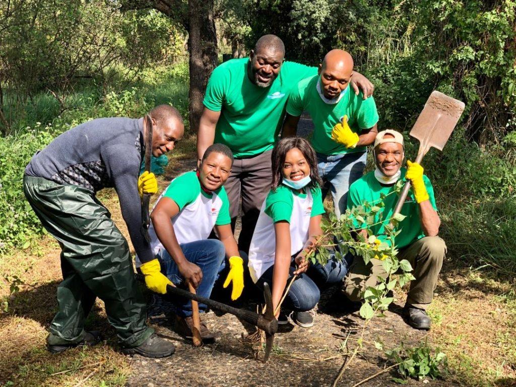 The Victoria Falls Safari Lodge team ready for action ... removing lantana in the Victoria Falls rainforest